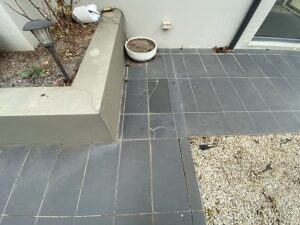 3 26 Dominion Circuit Forrest cracks in patio